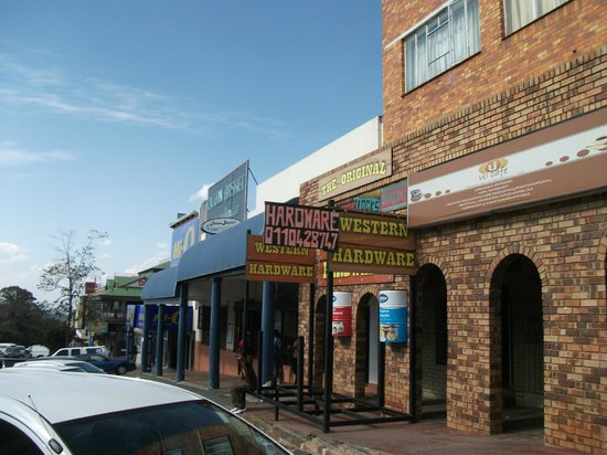 Melville: Main Road.