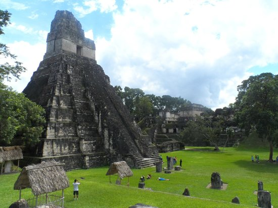 Camino Real Tikal: Re-enact that final scene from Star Wars