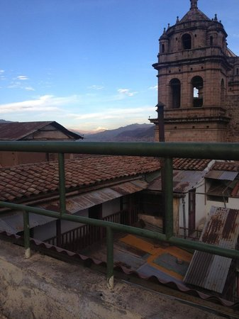 Incama Hostel Cusco: Bangin' roof terrace.