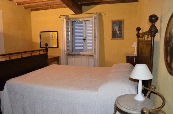 Agriturismo Fattoria Santa Vittoria: Bedroom