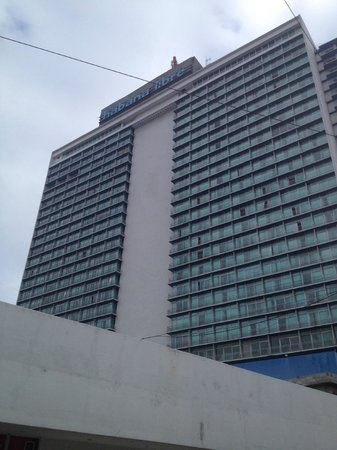 Tryp Habana Libre: view from street