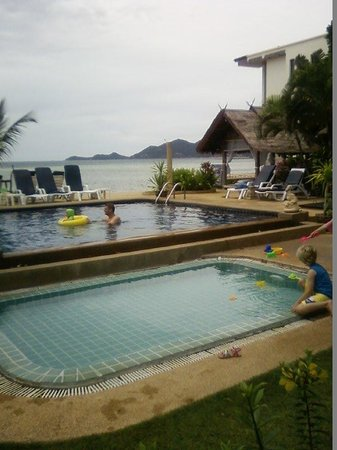 Papillon Resort : The two pools
