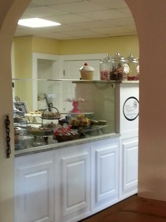 Sweet Angelines Bake Shop and Gourment Cafe