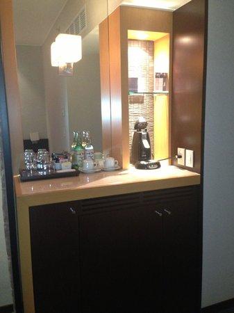 Hyatt Regency Mexico City: Fridge in Room and Coffee Maker