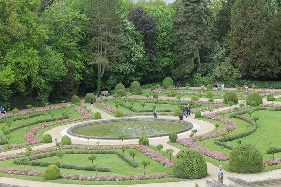 Chateau de Chenonceau: The gardens of Diane de Poitiers