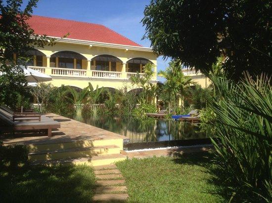 Pavillon d'Orient Boutique-Hotel: the pool