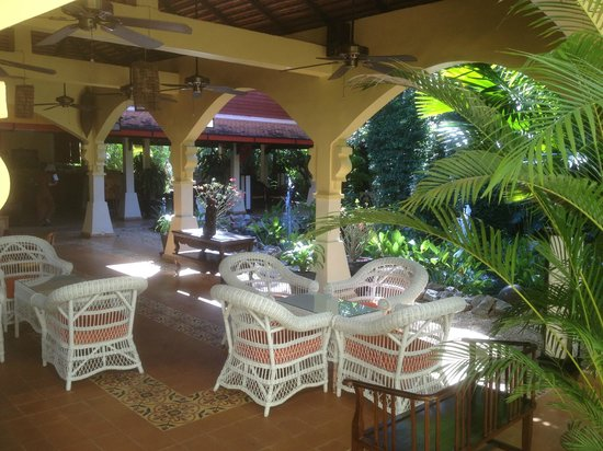 Pavillon d'Orient Boutique-Hotel: reception area