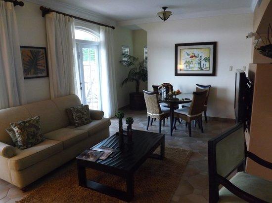 Las Casitas Village, A Waldorf Astoria Resort: Living Area