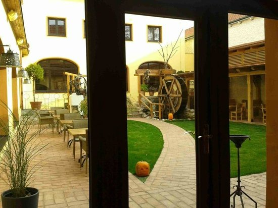 Hotel Selsky Dvur: Courtyard