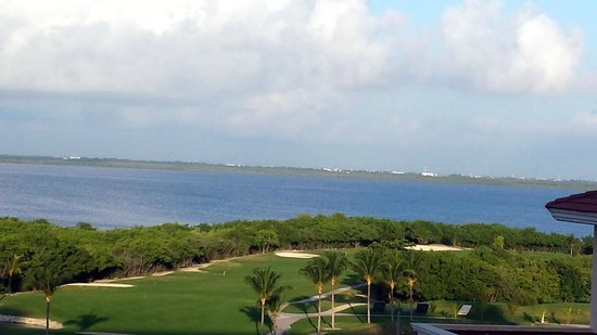 GR Solaris Cancun : View of lagoon from room