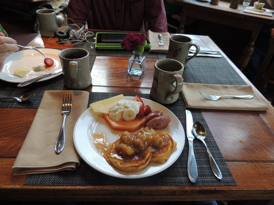 Mountain Home Lodge: Breakfast, absolutely delicious