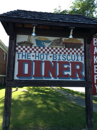 Hot Biscuit Diner: The sign