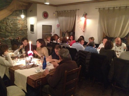 Ittiturismo da Abate : main dining room with Bella Gente guests.