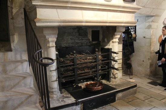 Chateau de Chenonceau: The rotisserie in the kitchen
