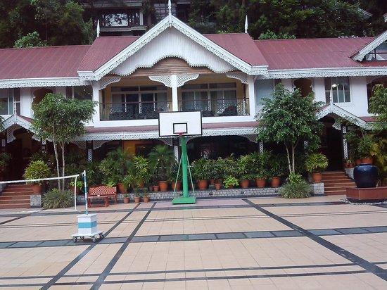 Mayfair Spa Resort & Casino: view of basketball court