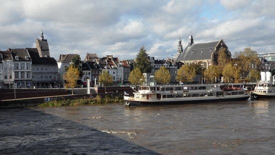 Select Hotel Apple Park Maastricht : Blick auf die Altstadt