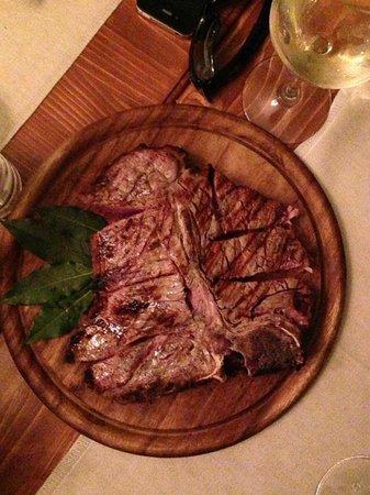 Osteria BruciaTegami : 1 kg t-bone steak