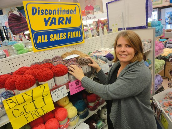 Spinrite Yarns and Dyers: discontinued yarn at Spinrite Factory Outlet
