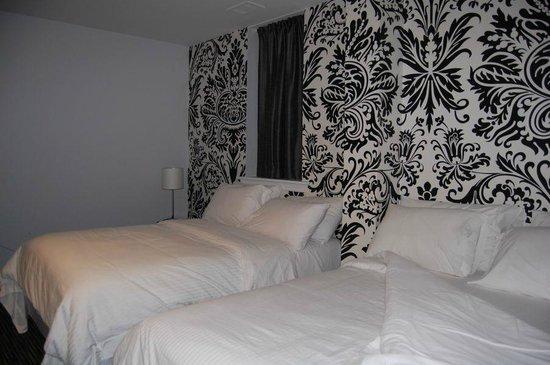 Isabella Hotel and Suites: Quarto