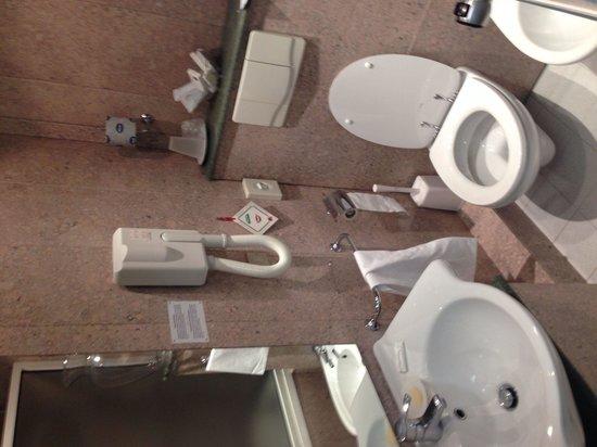Hotel Bisanzio : Bagno della camera 306