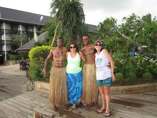 The Warwick Fiji: Girls posing