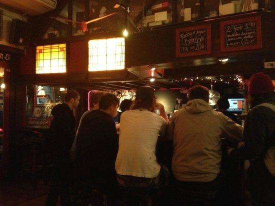 Flying Pig Downtown: Bar