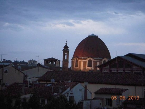 Hotel Caravaggio : vista noturna do quarto