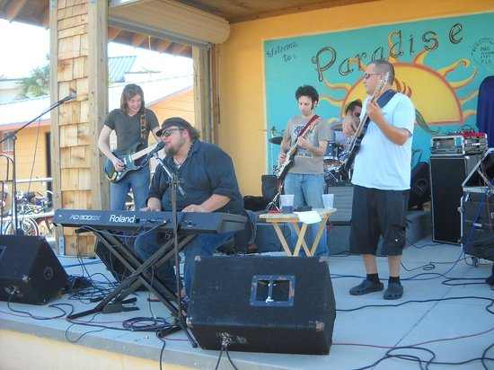 Paradise Bar and Grill : Victor Wainwright and the Wild Roots with Nick Black, guitar