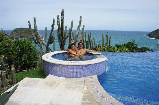 Cliffside Luxury Inn: O hotel fica bem no topo, vc vê o penhasco, a praia da Ferradura e o mar aberto!