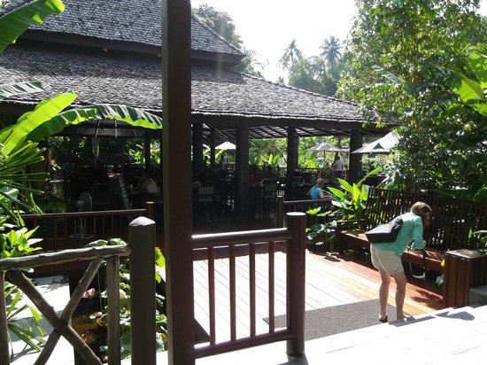 Marina Phuket Resort: Garden Restaurant entry.