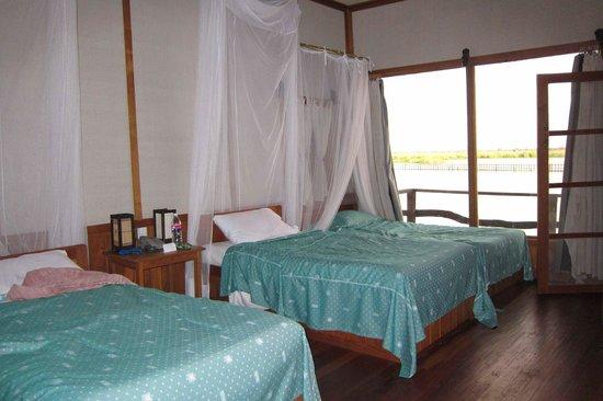Shwe Inn Tha Floating Resort: Beds