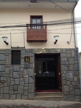 Antawasi Hotel : Front Door