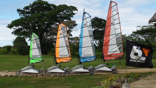 Blokart Land Sailing Vanuatu : Sail Sizes.