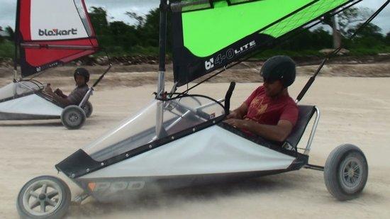Blokart Land Sailing Vanuatu : Power Slide..
