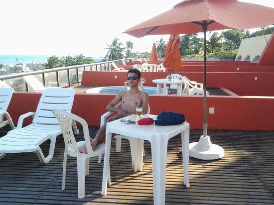Sol Bahia Sleep : Eu na piscina privativa do quarto