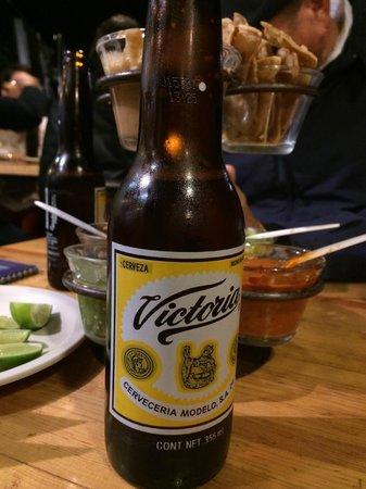 El Tizoncito: Victoria Beer!