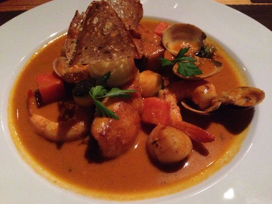 Cancha II: Perfect fish dish - cod & clam in lobster bisque