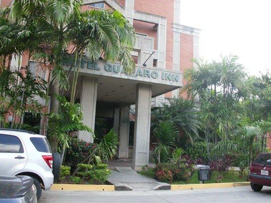 GH Guaparo Inn: Entrada do Hotel
