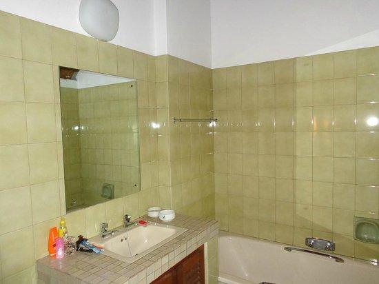 Mopani Rest Camp: Salle de bain tout confort.