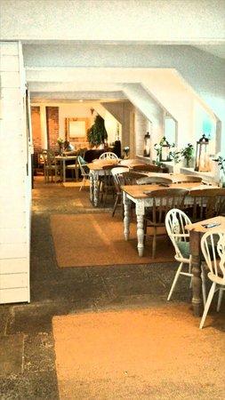 Lusty Glaze Beach Restaurant: restaurant