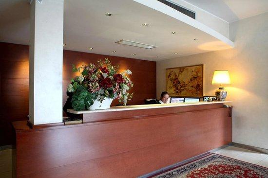 Hotel Nuovo: RECEPTION