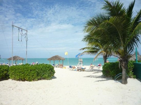Breezes Resort & Spa Bahamas: Beach