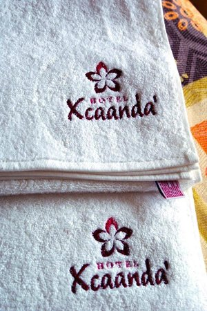 Hotel Xcaanda: Toallas de baño.