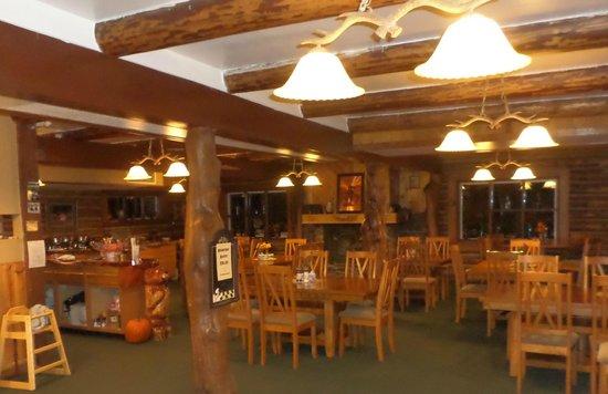 Hannagan Meadow Lodge: Very nice setting for dinner or breakfast