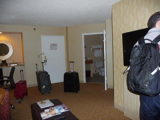 DoubleTree Suites by Hilton Santa Monica: Amplo quarto