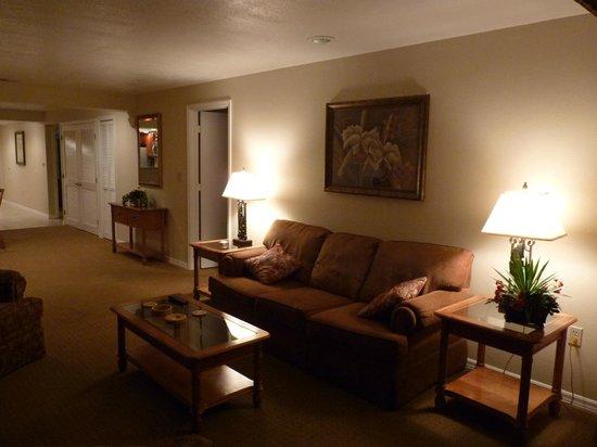 Polynesian Isles Resort: sala de estar