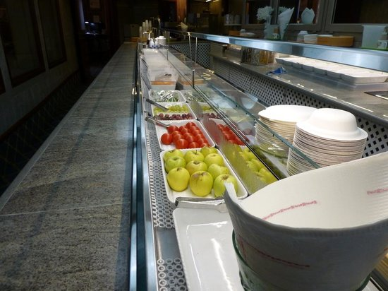 Continental Palacete: Fresh Fruit at the Palacete