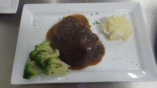 Osteria Piccoli: green pepper steak
