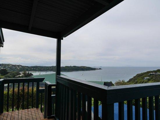 Tawa Lodge Waiheke Island: Private balcony of room