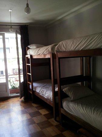 Hostal de la Barra: Quarto para 8 pessoas